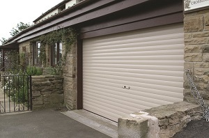 Seceuroglide Manual Insulated Roller Garage Door